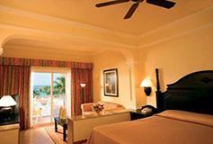 Habitación Junior Suite con Vista Parcial al Mar del Hotel Riu Palace Pacifico All Inclusive