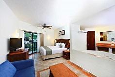 Habitación Deluxe con Jacuzzi del Hotel Sandos Caracol Eco Resort All Inclusive