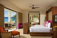 Habitación Preferred Club Junior Suite Tropical View King del Hotel Secrets Akumal Riviera Maya