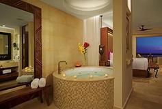 Habitación Romance Master Suite Ocean View King del Hotel Secrets Akumal Riviera Maya