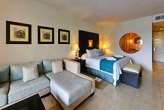 Habitación Suite con Acceso Directo a la Alberca del Hotel Secrets Aura Cozumel