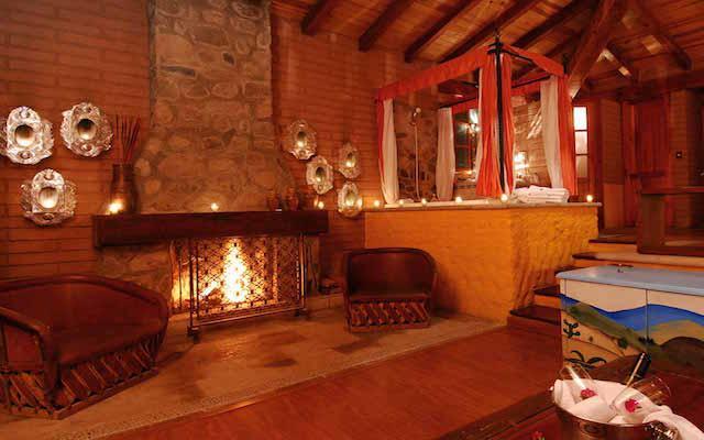 Habitación Cabaña Suite Vista al Lago con Jacuzzi y Terraza del Hotel Hotel Sierra Lago Exclusive Mountain Resort and Spa