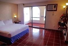 Habitación Estándar Con Balcón del Hotel Suites Bahía