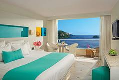 Habitación Deluxe Vista Parcial Al Mar del Hotel Hotel Sunscape Dorado Pacífico Ixtapa