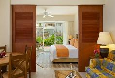 Habitación Suite Vista Tropical del Hotel Sunscape Sabor Cozumel
