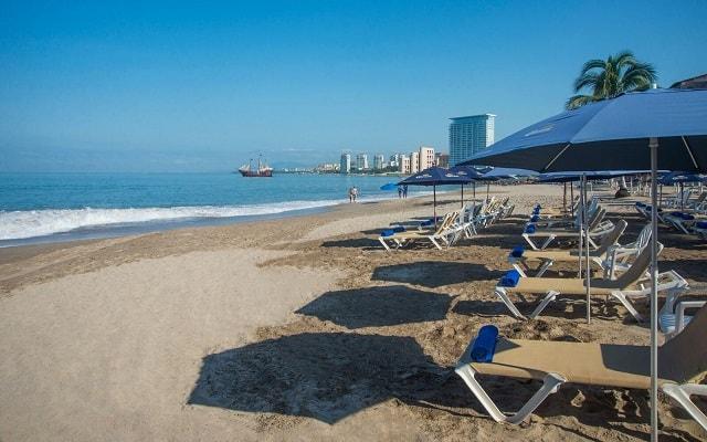 Hacienda Buenaventura Hotel and Mexican Charm, asoléate en la comodidad de los camastros