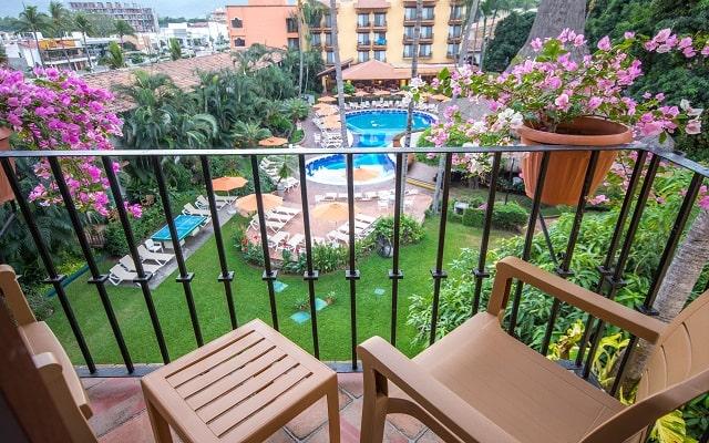 Hacienda Buenaventura Hotel and Mexican Charm, contempla desde tu balcón la vegetación e instalaciones