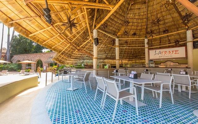 Hacienda Buenaventura Hotel and Mexican Charm, escenario ideal para disfrutar tus alimentos.