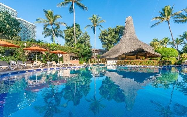 Hacienda Buenaventura Hotel and Mexican Charm, refrescate en su alberca al aire libre.