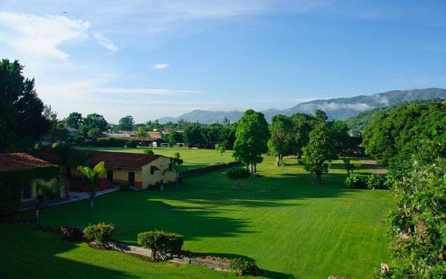 Hacienda El Carmen Hotel and Spa, pasea por sus amplios jardines