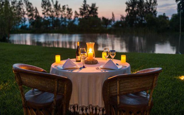El hotel ofrece servicios con costo adicional para parejas