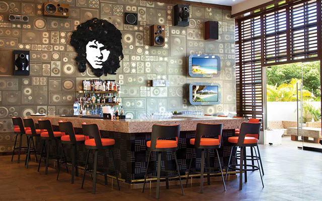 Hard Rock Hotel Riviera Maya, disfruta una copa en el bar