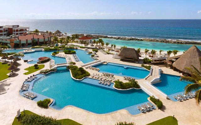 Hard Rock Hotel Riviera Maya, disfruta de su alberca al aire libre