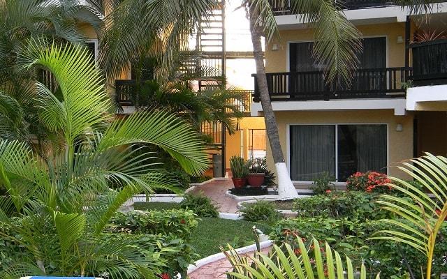 Hotel Beach House Imperial Laguna Cancún, relájate en sus jardines