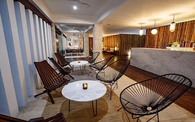 Hotel HM Playa del Carmen lobby