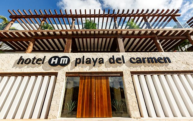 Hotel HM Playa del Carmen cuenta con parking y recepción las 24 horas