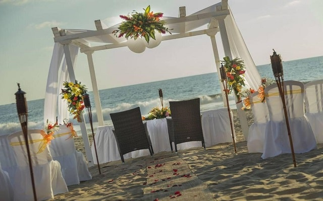 Hotel Holiday Inn Resort Ixtapa All Inclusive, tu boda como la imaginaste