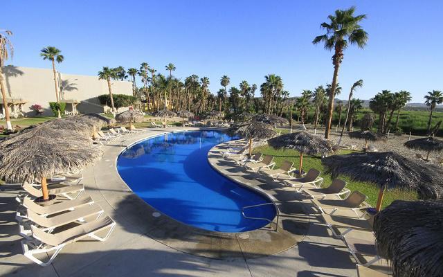 Hotel Holiday Inn Los Cabos un ambiente ideal para relajarse