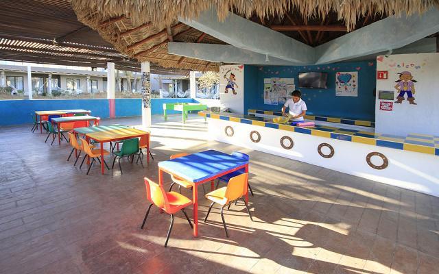 Hotel Holiday Inn Los Cabos una opción para divertirte en familia