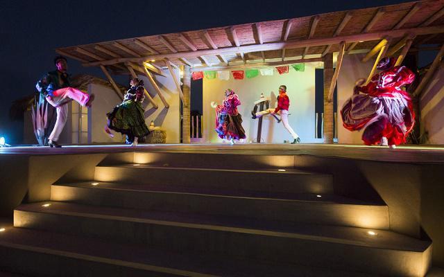 Hotel Holiday Inn Los Cabos espectáculos nocturnos
