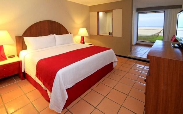 Hotel Holiday Inn Los Cabos algunas habitaciones ofrecen vista al mar