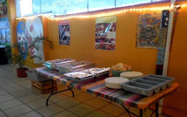 Hostel Amigo Suites, ofrece desayuno en cortesía