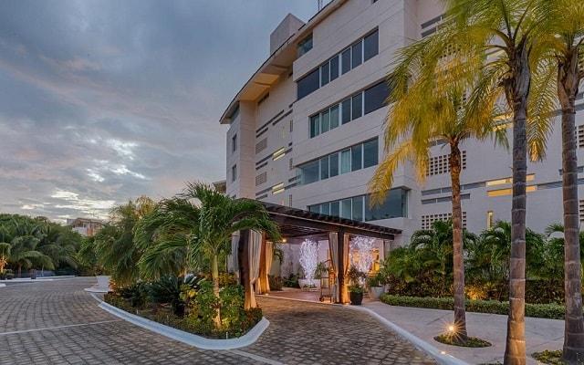 Aak-Bal Beach Condos by La Tour Hotels and Resorts, atención personalizada desde el inicio de tu estancia