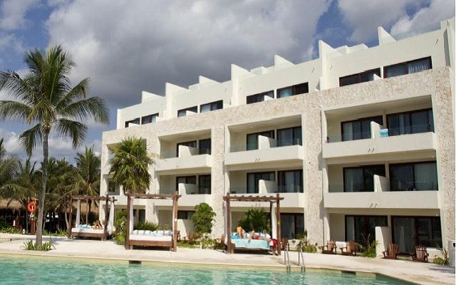 Hotel Akumal Bay Beach and Welness Resort, disfruta de su alberca al aire libre