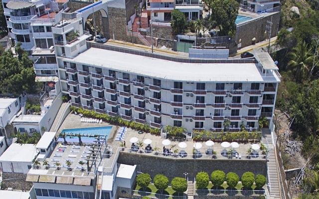 Hotel Alba Suites, buena ubicación a paso de la Marina