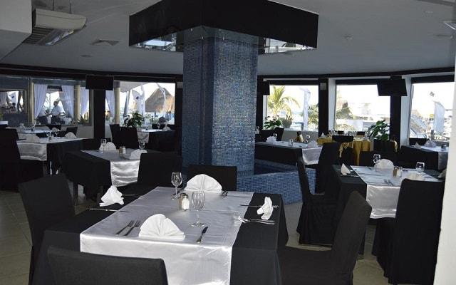 Hotel All Ritmo Cancún Resort and Waterpark, escenario ideal para tus alimentos
