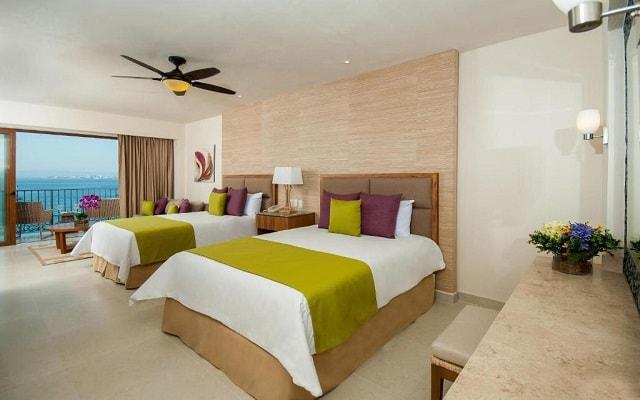 Hotel Almar Resort Luxury LGBT Beach Front Experience, amplias y luminosas habitaciones
