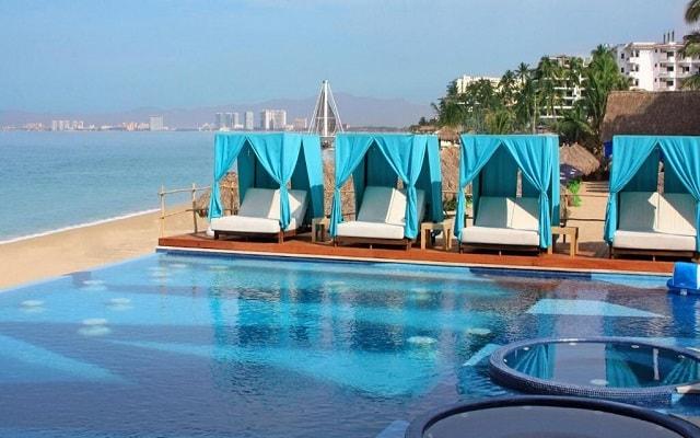 Hotel Almar Resort Luxury LGBT Beach Front Experience, relájate en una cama bali