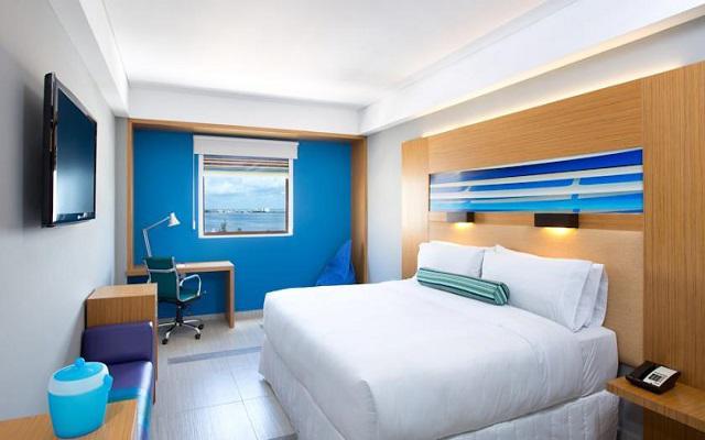 Hotel Aloft Cancún, amplias habitaciones de estilo moderno