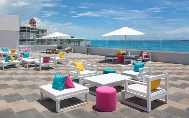 Hotel Aloft Cancún, relájate en su terraza