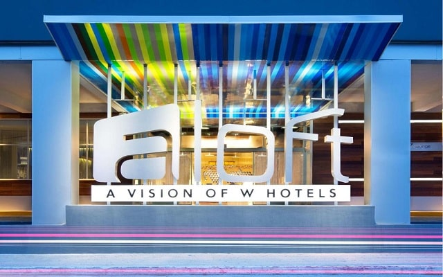 Hotel Aloft Cancún, buena ubicación