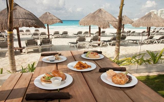 Hotel Altitude by Krystal Grand Punta Cancun-All Inclusive, escenario ideal para tus alimentos