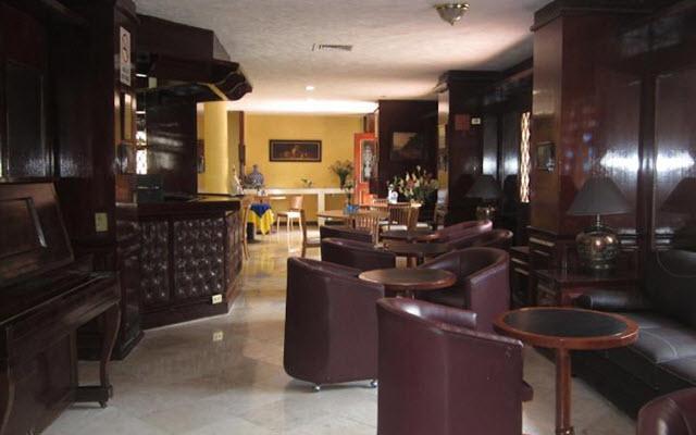 Hotel Ambassador México, disfruta una copa en el bar