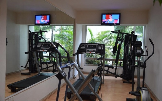 Hotel Ambiance Suites Cancún, gimnasio