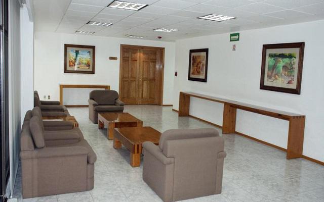 Hotel & Suites PF, buen servicio