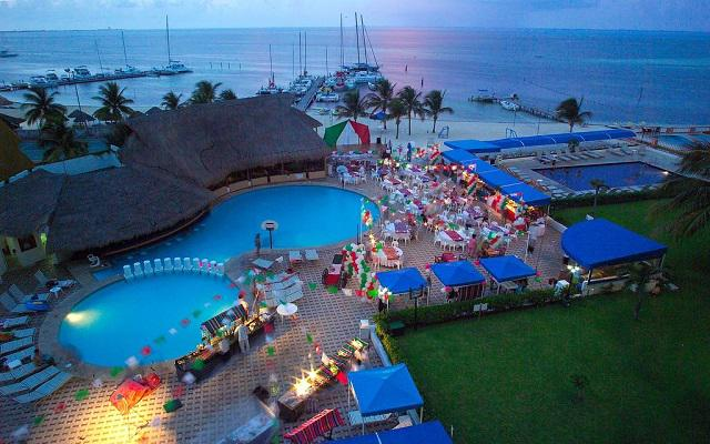 Hotel Aquamarina Beach Cancún, fascinante vista aérea