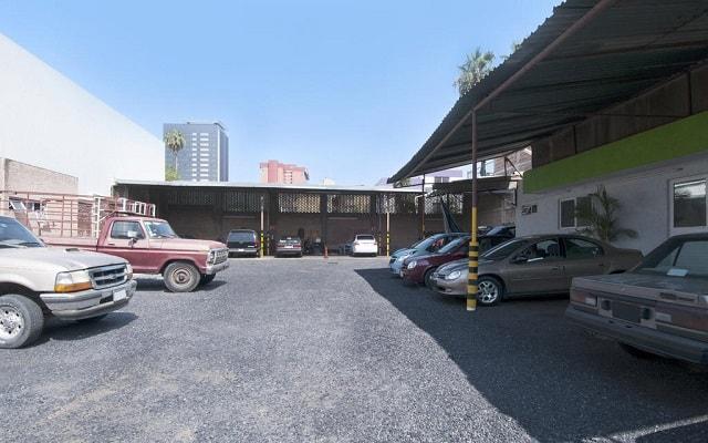 Hotel Arboledas Expo, estacionamiento