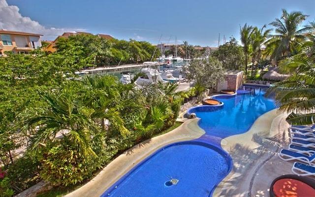 Hotel Aventuras Club Marina, hermoso entorno natural
