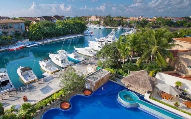 Hotel Aventuras Club Marina, ubicado en la Marina