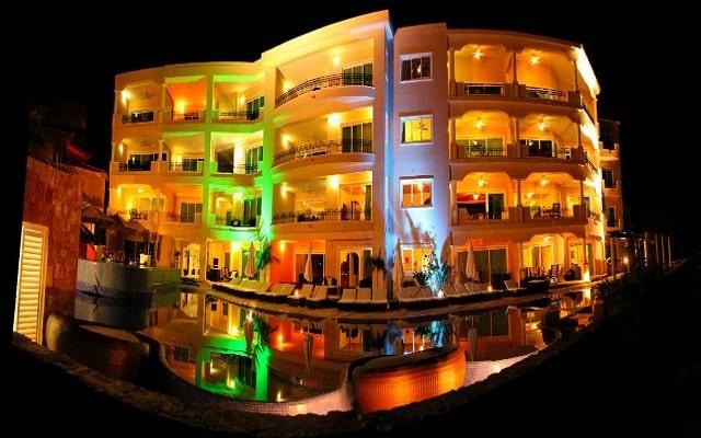 Hotel Aventuras Club Marina, noches inolvidables