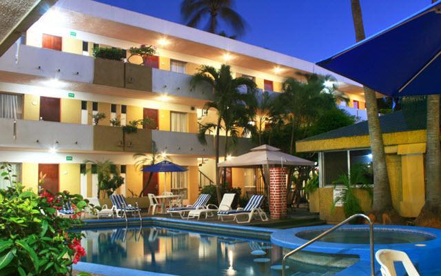 Azteca Inn en Zona Dorada