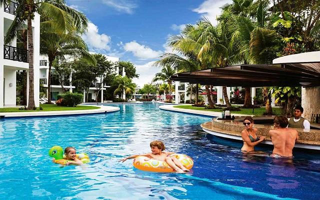 Hotel Azul Beach Resort The Fives Playa del Carmen, espacios para disfrutar con la familia