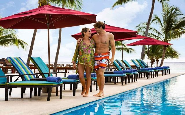 Hotel Azul Beach Resort The Fives Playa del Carmen, descansa en ambientes con todas las comodidades