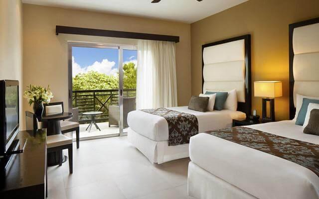 Hotel Azul Beach Resort The Fives Playa del Carmen, habitaciones cómodas y luminosas