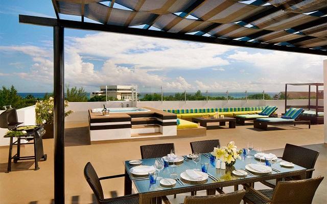 Hotel Azul Beach Resort The Fives Playa del Carmen, terraza