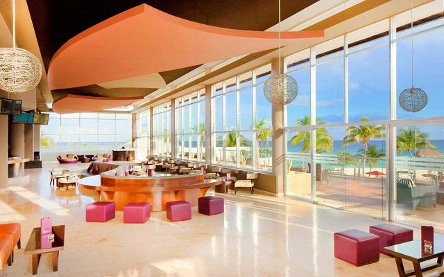 Hotel Azul Beach Resort The Fives Playa del Carmen, Zky Bar